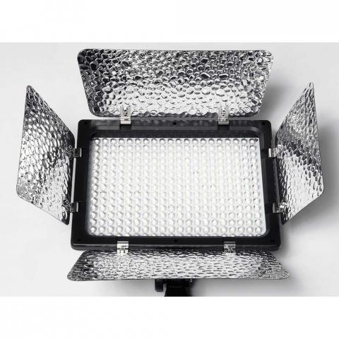Fotokvant LED-180 PB светодиодная панель с шторками