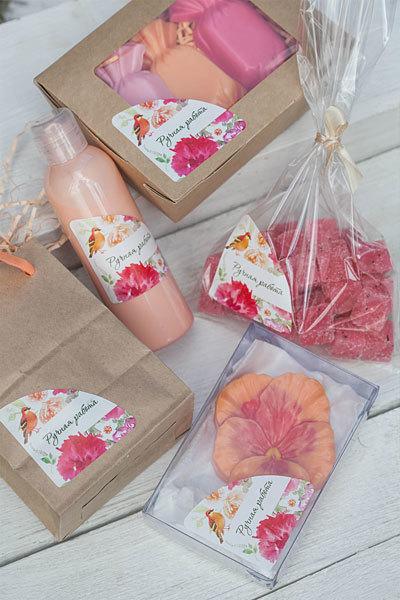 Уголок на коробку для мыла Розовые цветы с птичкой