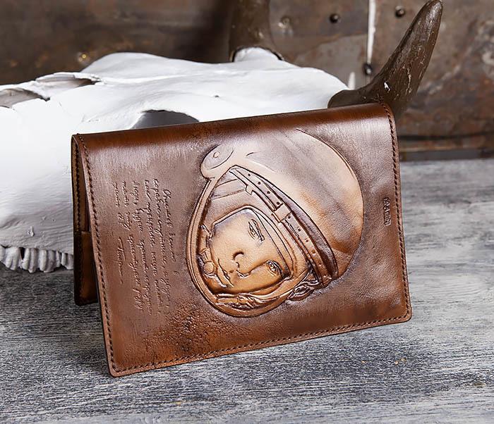 BC194 Ежедневник «Гагарин» в кожаной обложке (A5) фото 05
