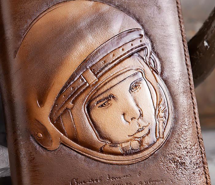 BC194 Ежедневник «Гагарин» в кожаной обложке (A5) фото 06
