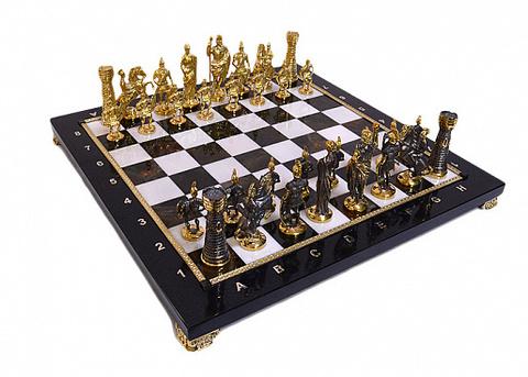 Шахматы из яшмы и долерита