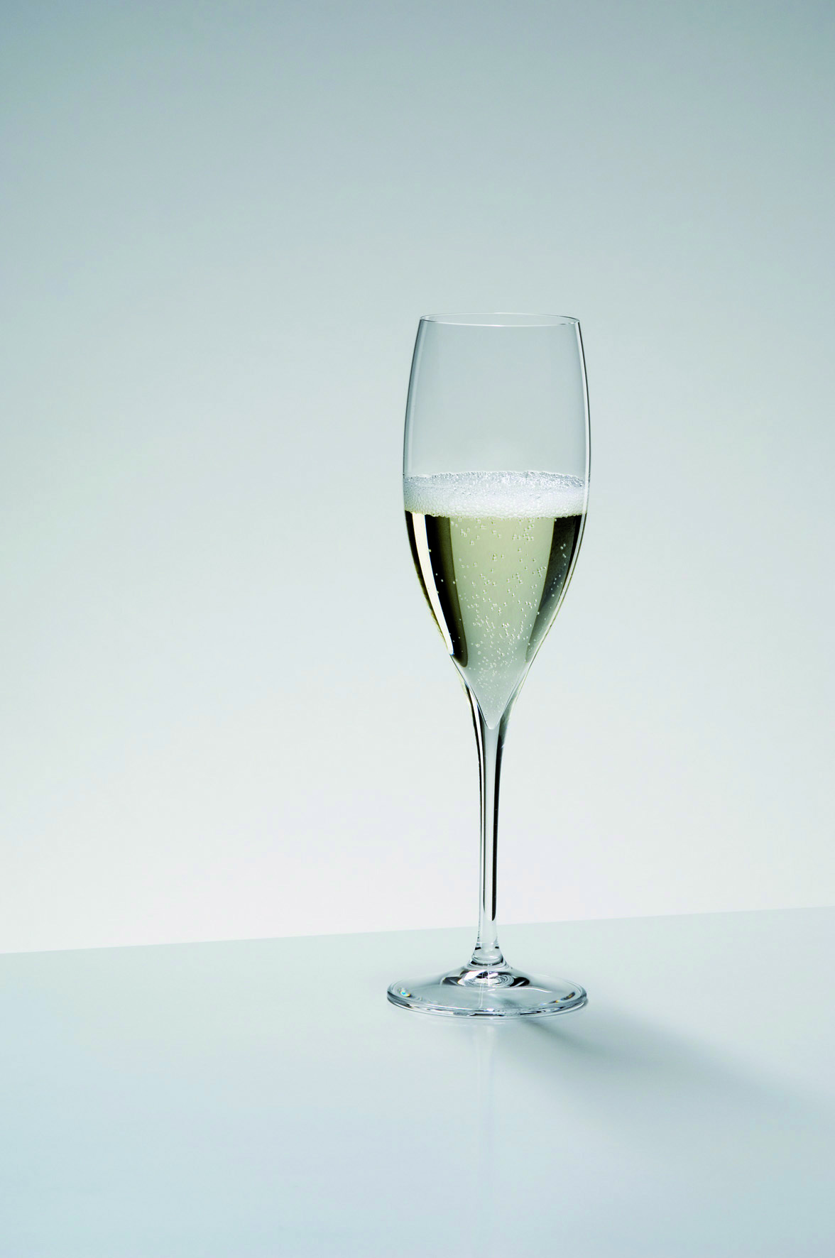 Бокалы Набор бокалов для шампанского 2 шт 250 мл Riedel Grape@Riedel Champagne Glass nabor-bokalov-dlya-shampanskogo-2-sht-250-ml-riedel-graperiedel-champagne-glass-avstriya.jpg