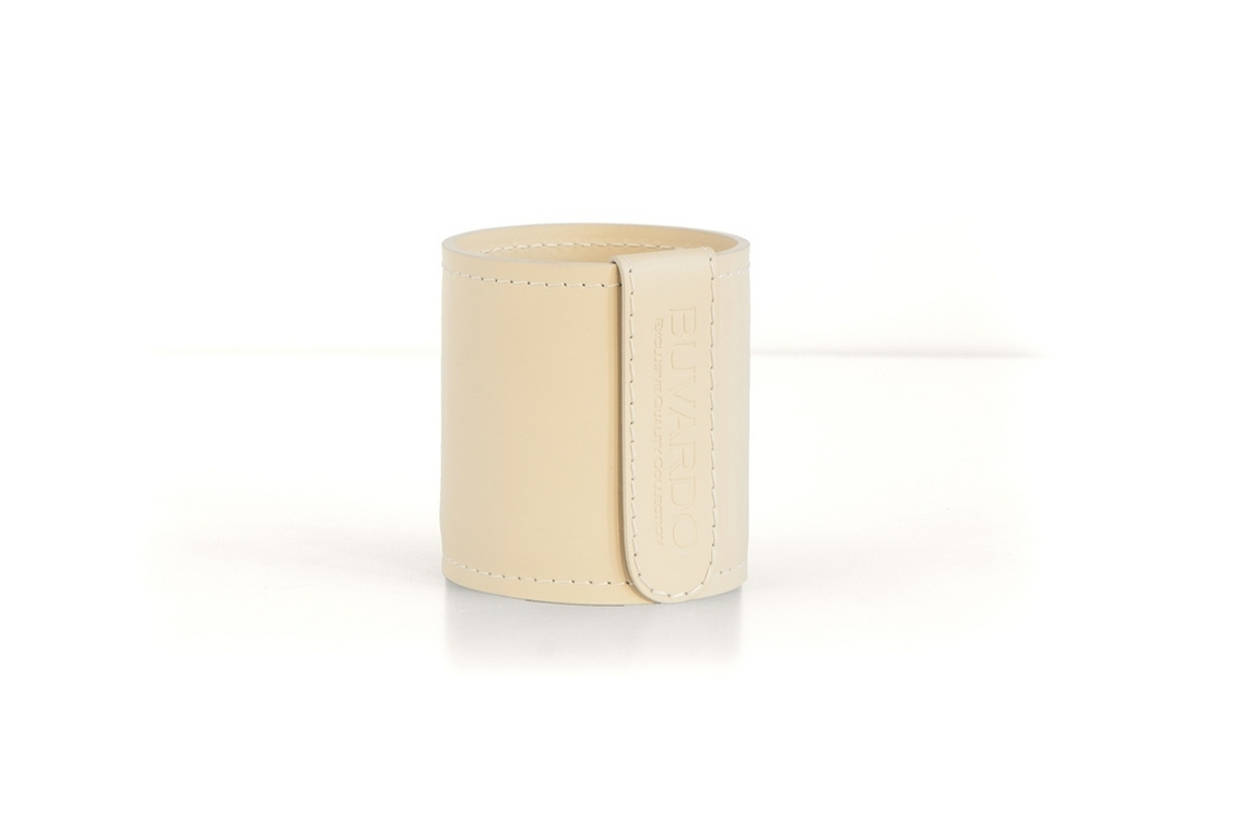 Кожаный стакан для ручек и карандашей Н10 см кожа Cuoietto цвет слоновая кость.