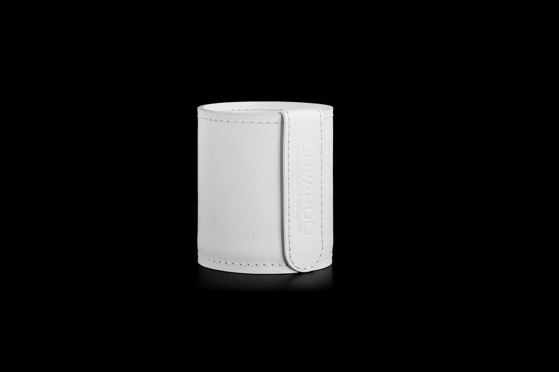 Кожаный стакан для ручек и карандашей Н10 см кожа Cuoietto цвет белый.