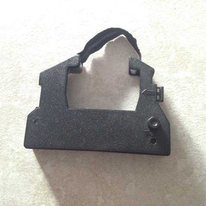 Лента 13мм 2.7м, Мебиус левый, черная используется вот в таких картриджах. Кто знает их название — подскажите, пожалуйста.