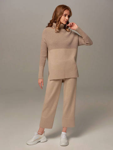 Beige female sweater made of wool and cashmere - фото 4