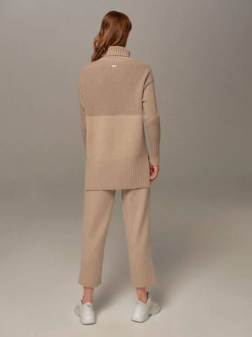 Beige female sweater made of wool and cashmere - фото 3
