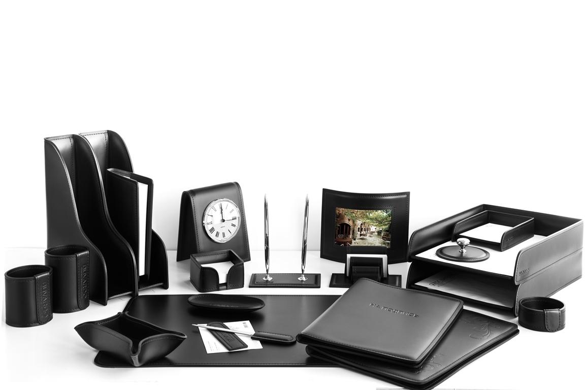 Набор на стол руководителя арт.1311 серии Стандарт 21 предмет в черном цвете.