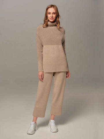 Beige female sweater made of wool and cashmere - фото 5