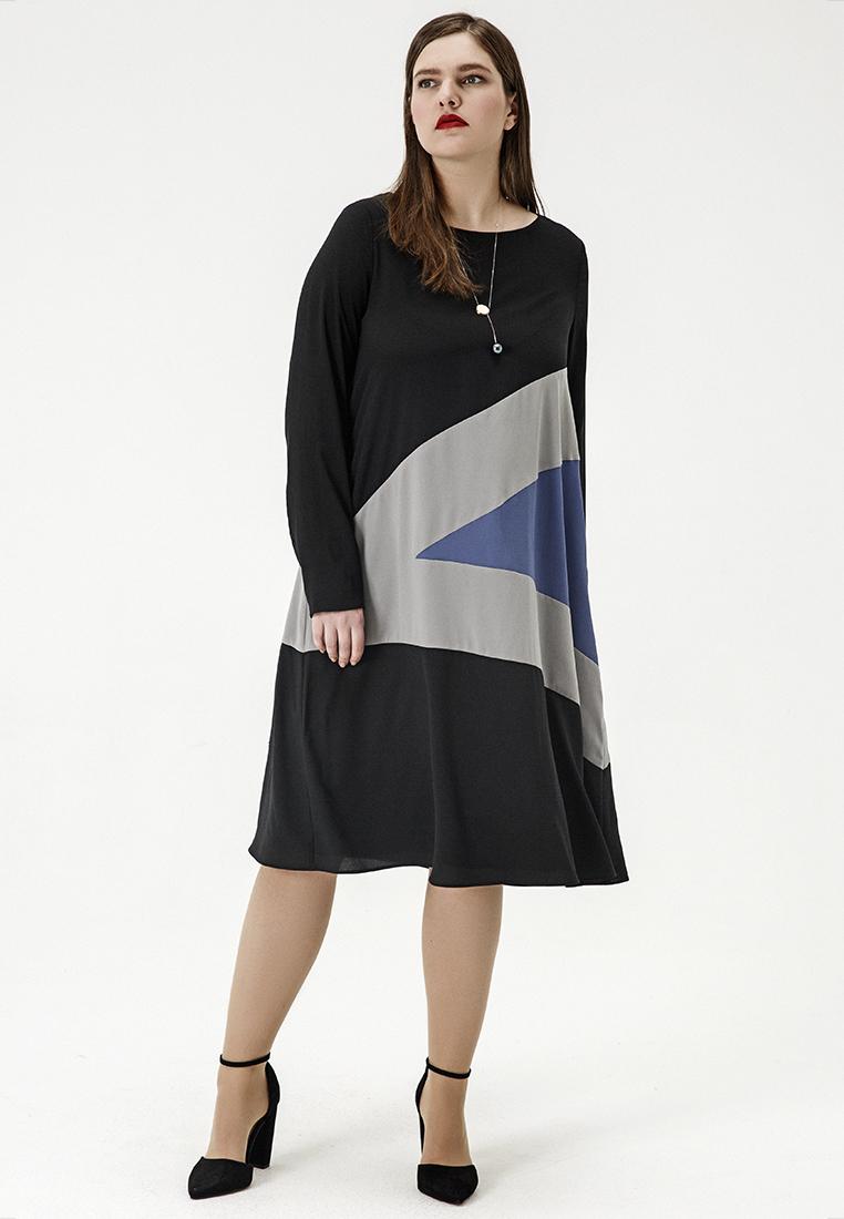 Платье W12 D18 01Сейчас покупают<br>Маленькое черное платье: перезагрузка.  Минималистичное платье А-силуэта, с округлым вырезом и длинными рукавами и модернистской композицией контрастных цветовых блоков выглядит свежо и лаконично – как и должно быть весенним вечером. Рост модели на фото 178 см, размер 54 (российский).<br>