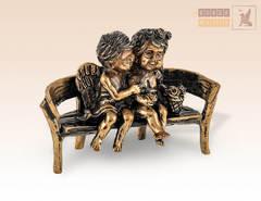 Ангелочки на скамейке