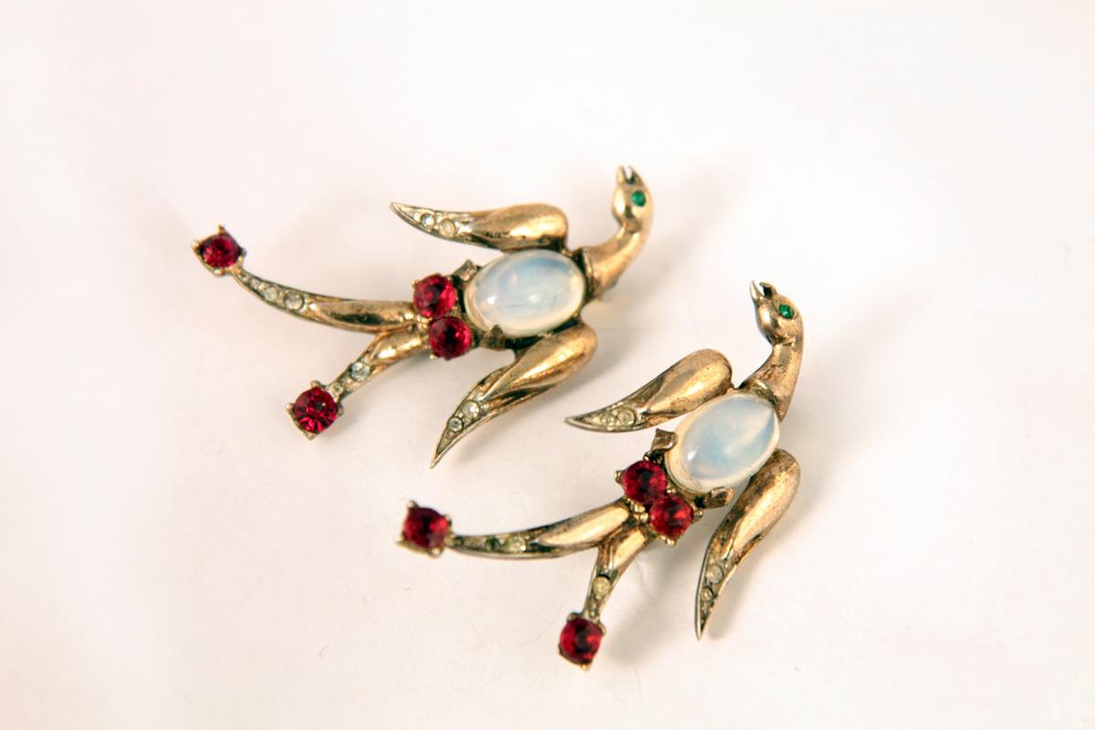 """Необычные серебряные броши """"Птицы"""" с Jelly Belly от Coro, 1946 год"""