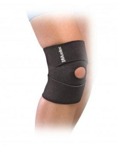 58677 Compact Knee Легкий и удобный неопреновый фиксатор колена сохраняет тепло тела. Черный