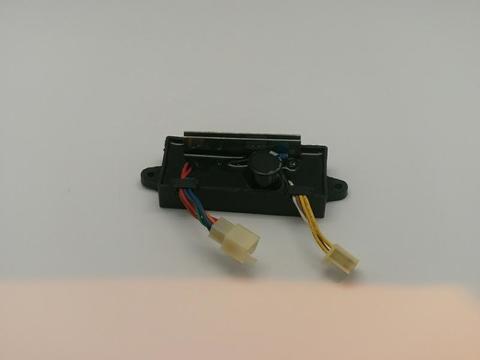 Блок AVR DDE 2kW DW190AE (2колодки на 6 и 4 провода) унив.