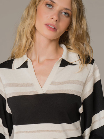 Женский джемпер в сочетании белого и черного цветов из шелка - фото 2
