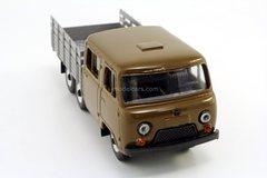 UAZ-39094 Farmer long wheelbase 3-axle (metal cabin) Agat Mossar Tantal 1:43