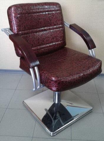 Кресло парикмахерское Кр016