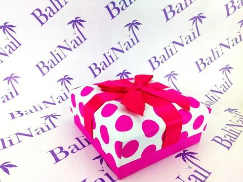 Коробка подарочная квадратная с бантом, 14x14x6,5см, белый/фуксия/горох