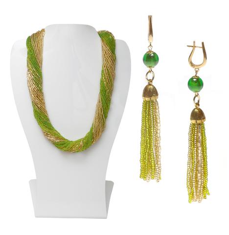 Комплект украшений зелено-золотистый (длинные серьги из бисера, бусы из бисера 36 нитей)
