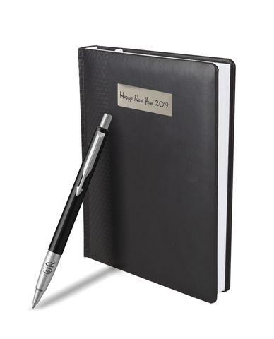 Набор с гравировкой: Ежедневник недатированный и Шариковая ручка Parker Vector Standard K01, цвет: Black