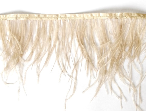 Тесьма  из перьев страуса h 10-15 см., светло-бежевый