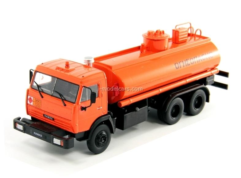 KAMAZ-53215 Petroleum Tanker Russia 1:43 DeAgostini Service Vehicle #69