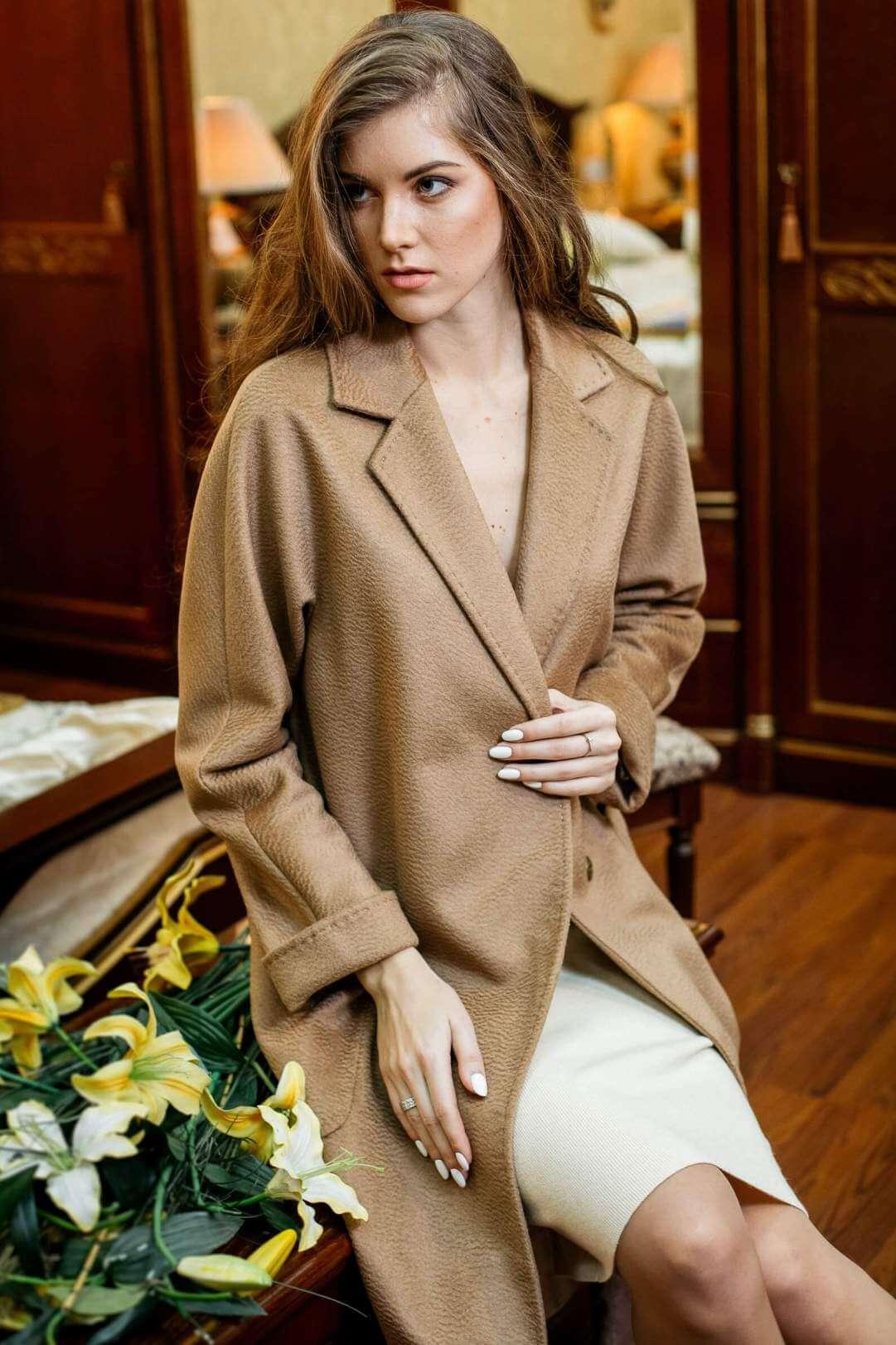 Пальто из верблюжьей шерсти