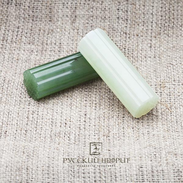 Вставки Колонна из зелёного и буромского нефрита.
