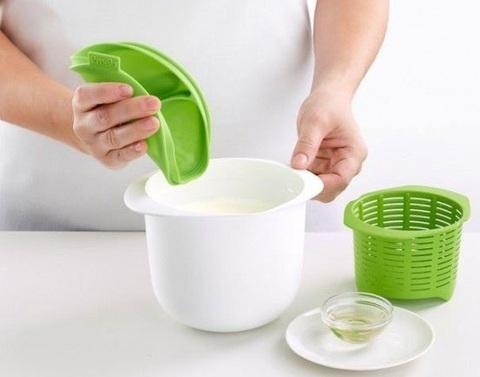 <p>Аппарат Нежное лакомство поможет приготовить творог, сыр и т.д. ...