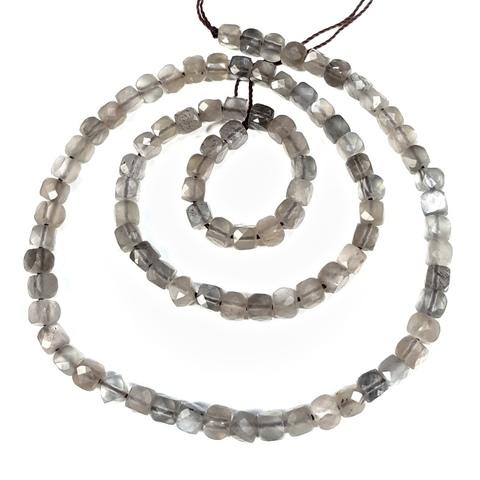Бусина серый лунный камень А кубик граненый 4,2 мм 6 бусин