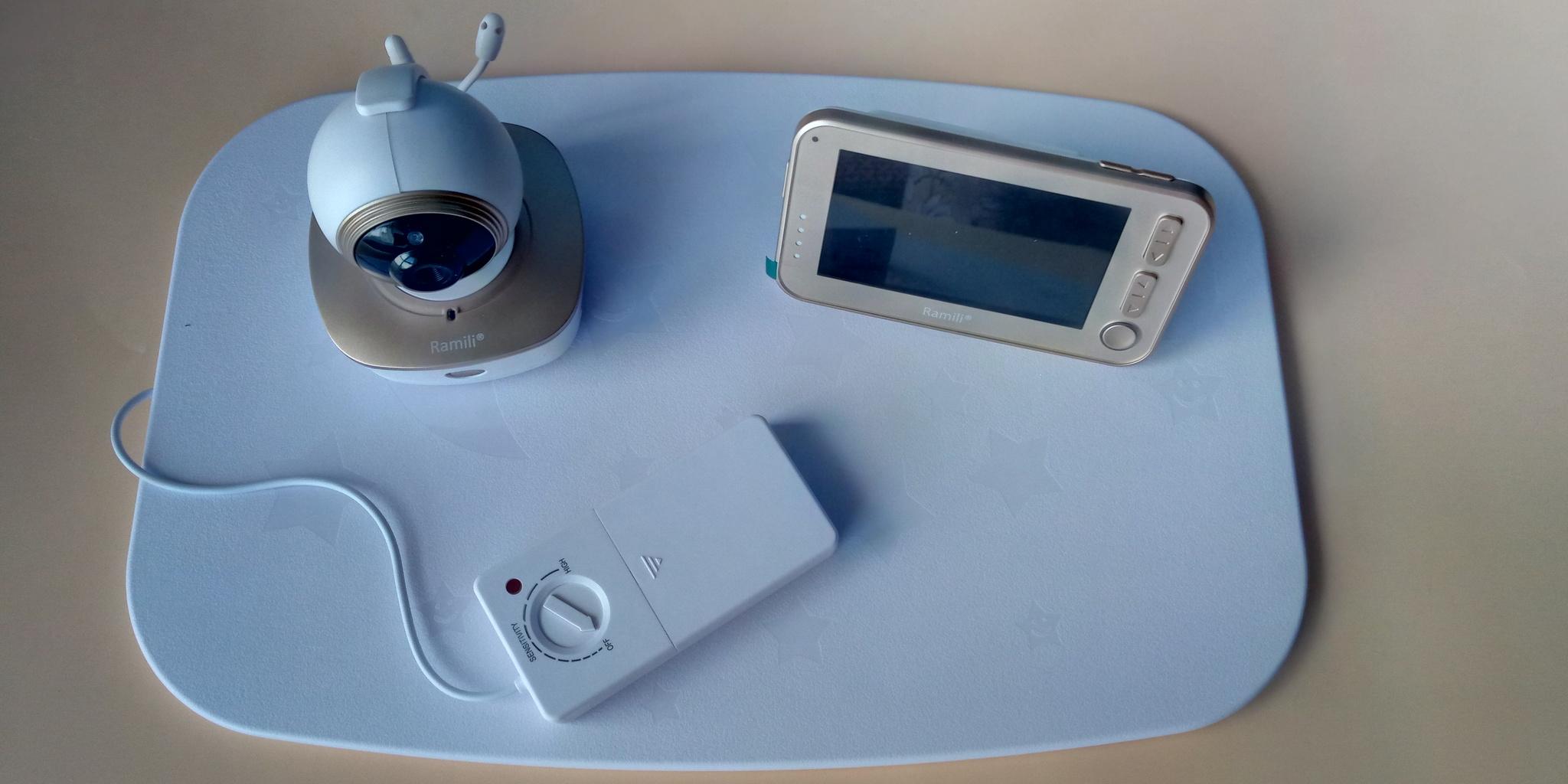 Видеоняня с монитором дыхания Ramili Baby RV1300SP2