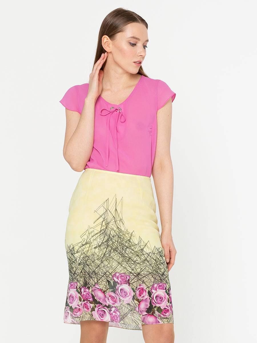 Блуза Г544а-545 - Элегантная блуза прямого силуэта с коротким рукавом и разрезами по бокам. В  ткани из 100% вискозы будет комфортно даже в жару.  Отлично смотрится как в классическом так и в повседневном  образе. Эта блуза займет достойное место в вашем летнем гардеробе.
