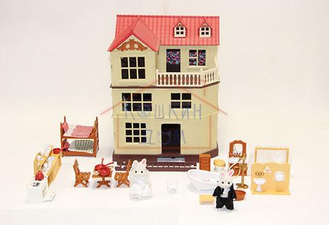 Домик зайчиков-молодоженов Happy family 012-10 с набором мебели для ванной и двухъярусной кроватью