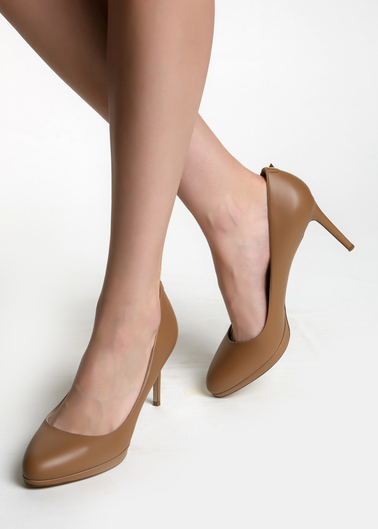 Платья и туфли доставка
