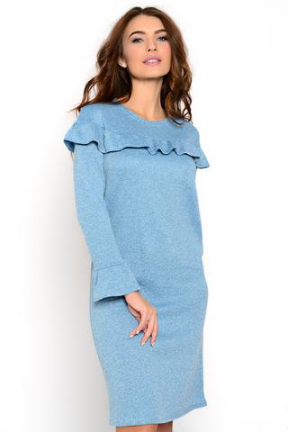 Трикотажное платье полуприлегающего силуэта. Волан по линии груди придает романтическое настроение Вашему образу.( Длина: 44=93см; 46=95см; 48=96см; 50=97см)