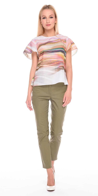 Блуза Г597-316 - Хлопковая блуза прямого силуэта со стильным цветным принтом.  Застежка на пуговицы на спинке. Легкая и комфортная, эта модель станет  прекрасным дополнением  летнего образа.
