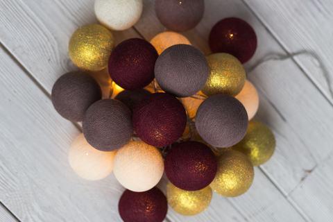 Гирлянда из хлопковых шариков Маскарад