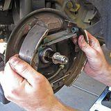 Замена тормозных колодок - барабанные тормоза фото-1