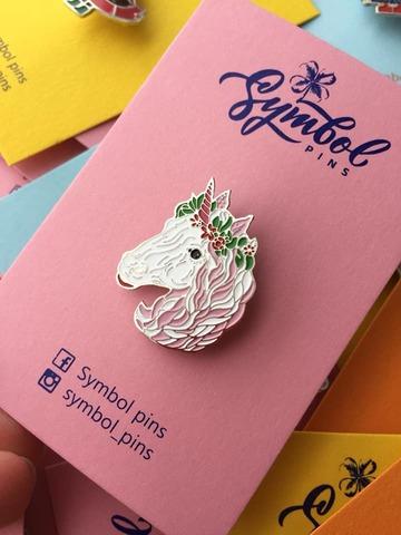 Значок,пін Symbol pins Єдиноріг з квітами