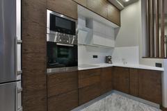 фасады для кухни сделаны из 100% массива дуба