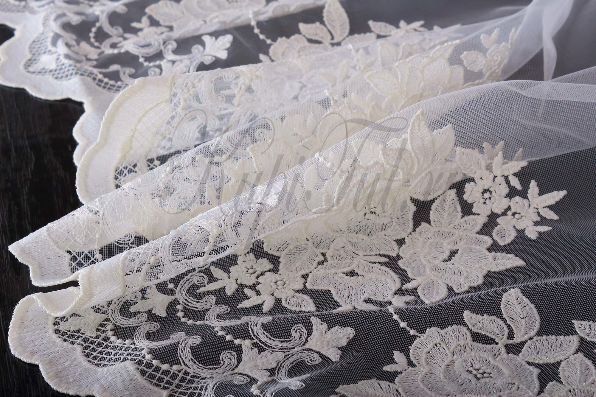 Микросетка с вышивкой Розы (молочная)