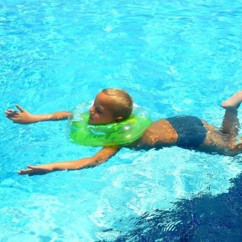 Круг на шею для плавания Baby-Krug 3D, голубой, от 3 мес до 6 лет