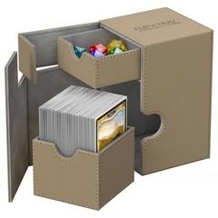 Ultimate Guard - Кожаная песочная коробочка с отделением для кубиков на 100+ карт