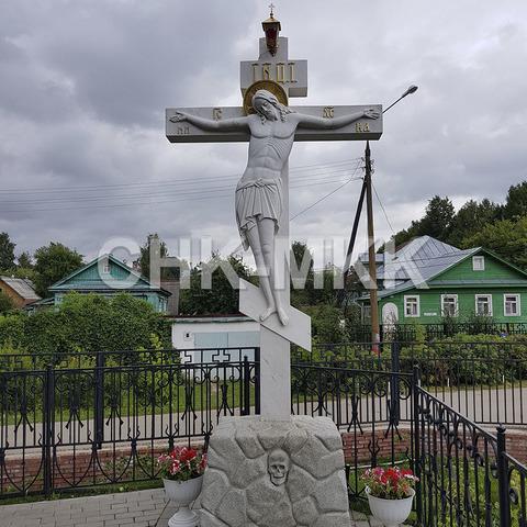 Мраморный крест в Дивеево Нижегородской области