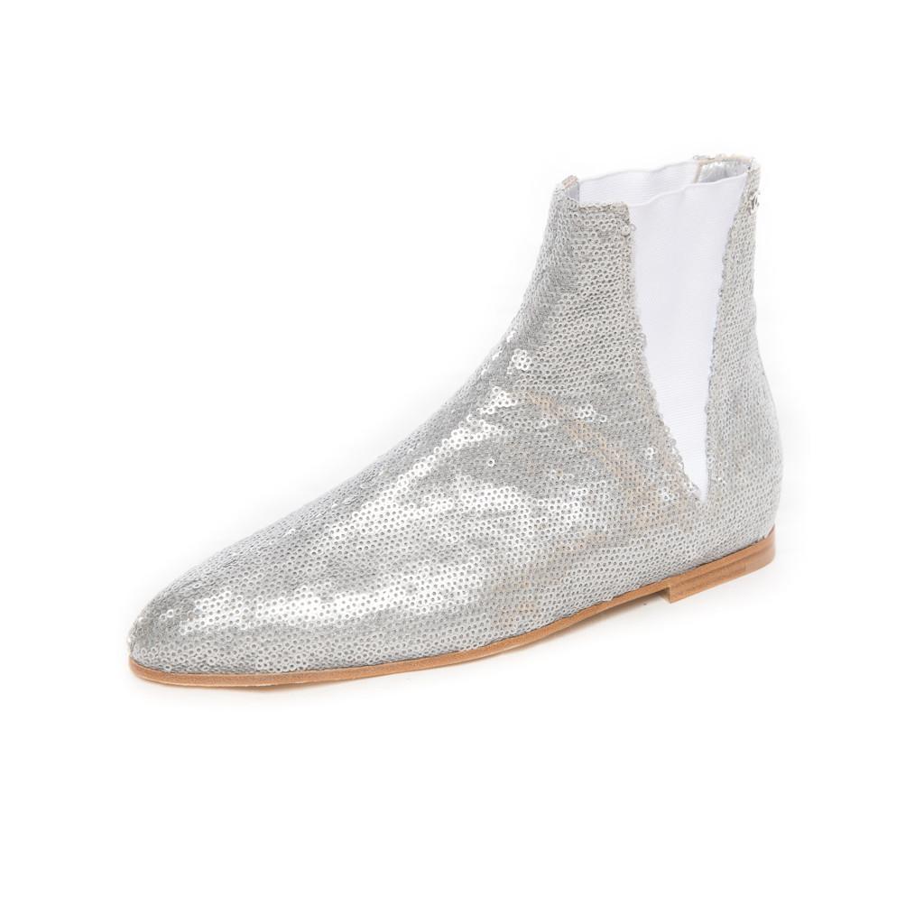 Стильные ботинки с серебристыми пайетками из коллекции Paris-Bombey от Chanel, 38 размер