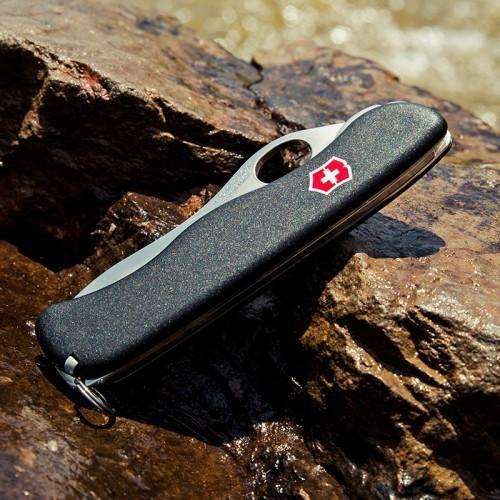 Складной нож Victorinox Sentinel One Hand Black с серрейторным лезвием (0.8413.MW3) - Wenger-Victorinox.Ru