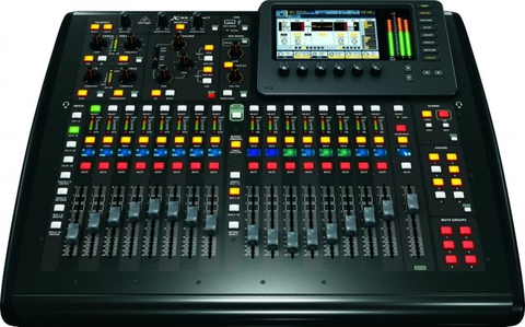 Цифровые Behringer X32 Compact