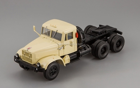 KRAZ-258B1 truck tractor 1987-1993 beige 1:43 Nash Avtoprom