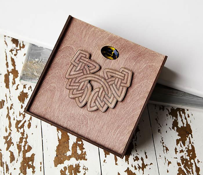 BOX218-3 Коробка для подарков из дерева с логотипом «Борода» (17*17*7 см) фото 02