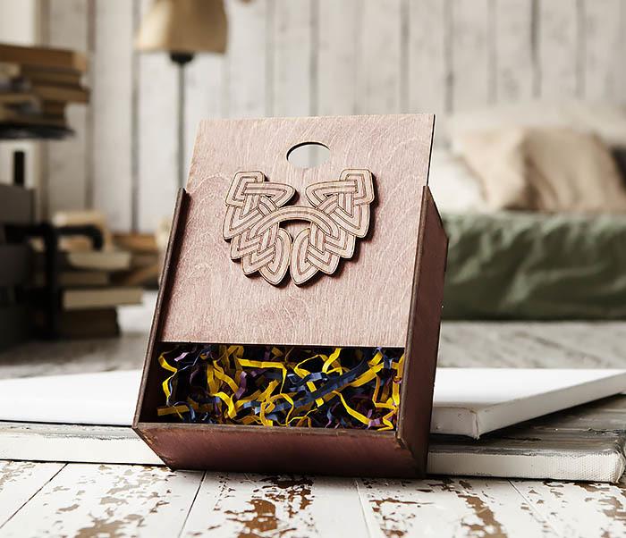 BOX218-3 Коробка для подарков из дерева с логотипом «Борода» (17*17*7 см) фото 04